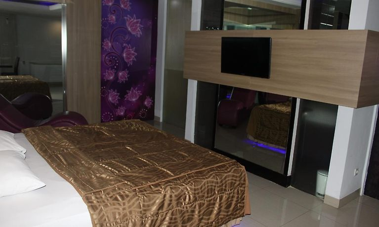 Hotel C One Pulomas Jakarta